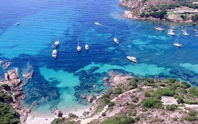 Girolata en bateau : partez à la découverte d'un village atypique